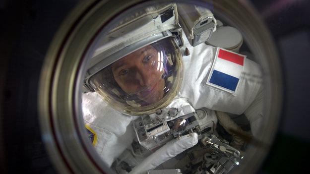 Thomas Pesquet se prépare à sortir @ ESA